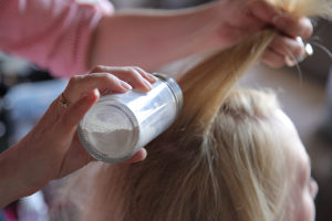 DIY Homemade Dry Shampoo