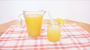 How to Make Fresh Peach Lemonade