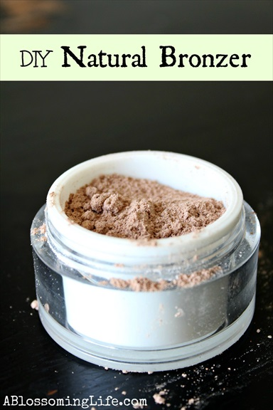 How to Make an All-Natural Homemade Bronzer