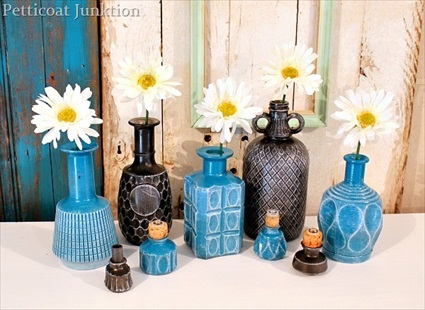 DIY-Spray Paint Glass Decanters For Home Decor