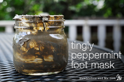 How to Make a Tingly Peppermint Foot Mask (Recipe)