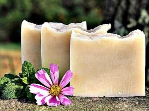 How to Make Homemade Lemon Balm Soap