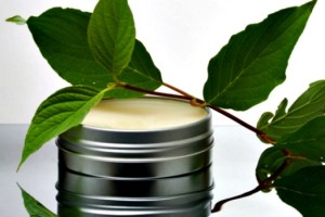 How to Make Homemade Vapor Rub Recipe for Colds and Sore Muscles