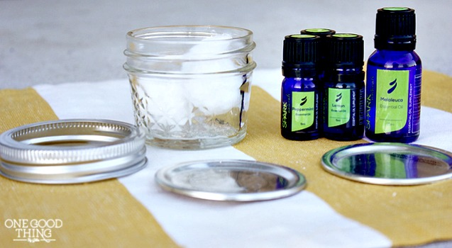 "Make Your Own ""BREATHE JAR"" To Relieve Sinus Congestion"