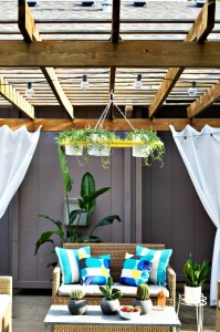 How to Make Your Own Outdoor Plant Chandelier