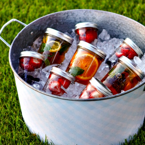 How to Make Summertime Fruit & Herb Sun Tea