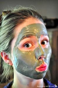 How to Make a Luxurious Green Tea & Silk Face Mask