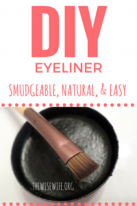 How to Make Natural Smudgeable Eyeliner
