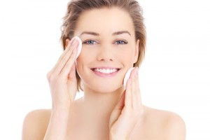 Homemade Spearmint & Aloe Facial Cleanser